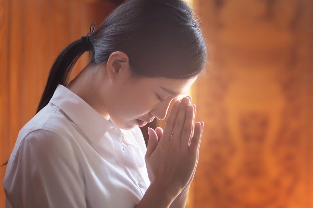 """""""Vạn nhân"""" (vạn người) là chỉ những người tín ngưỡng Phật - Đạo - Thần, là những người mà đạo đức đạt đến mức Thần chấp nhận thì mới có thể """"bất tử"""" (không chết)""""."""